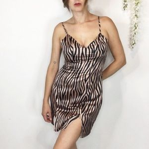 NWT MISSGUIDED zebra split front mini dress 0558